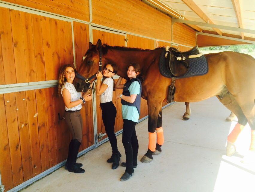 horseriding-camp-poblet-campamentos-ingles 2016