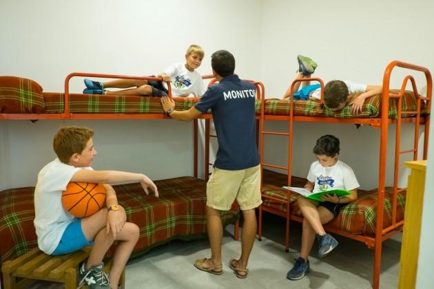 Campamento-habitacion-chicos-poblet7