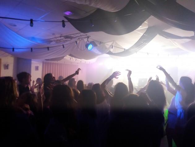 disco-party-poblet-campamentos-ingles-2018.jpg