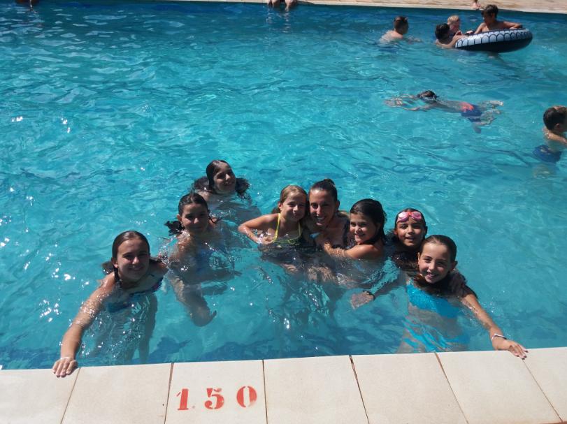 swimming-pool-poblet-campamentos-ingles-2018.jpg