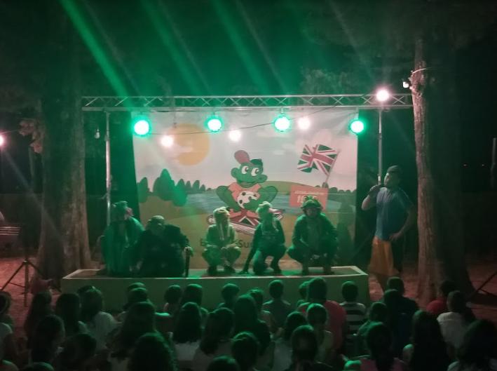 welcome-to-froggyland-poblet-campamentos-inglés-2018.jpg