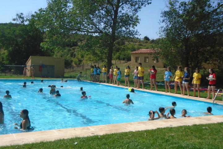 swimmingpool-campamentos-inglés-2015