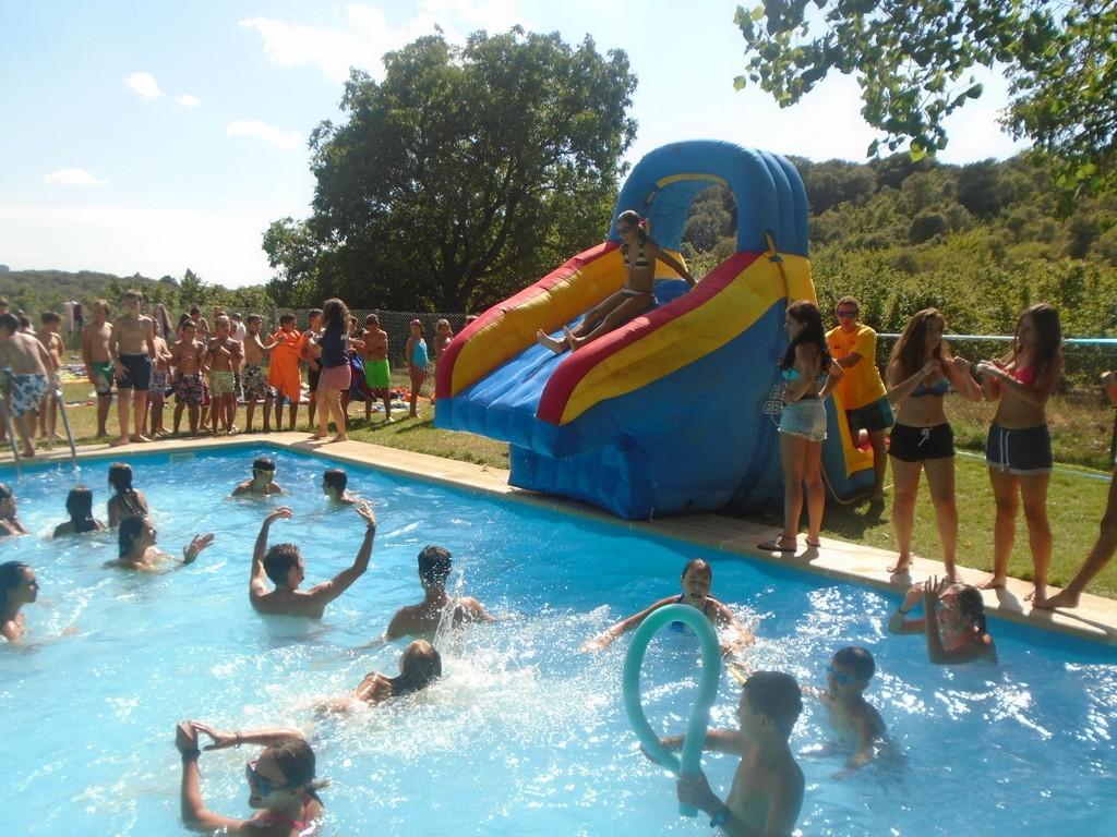 piscina-campamento-verano-2015