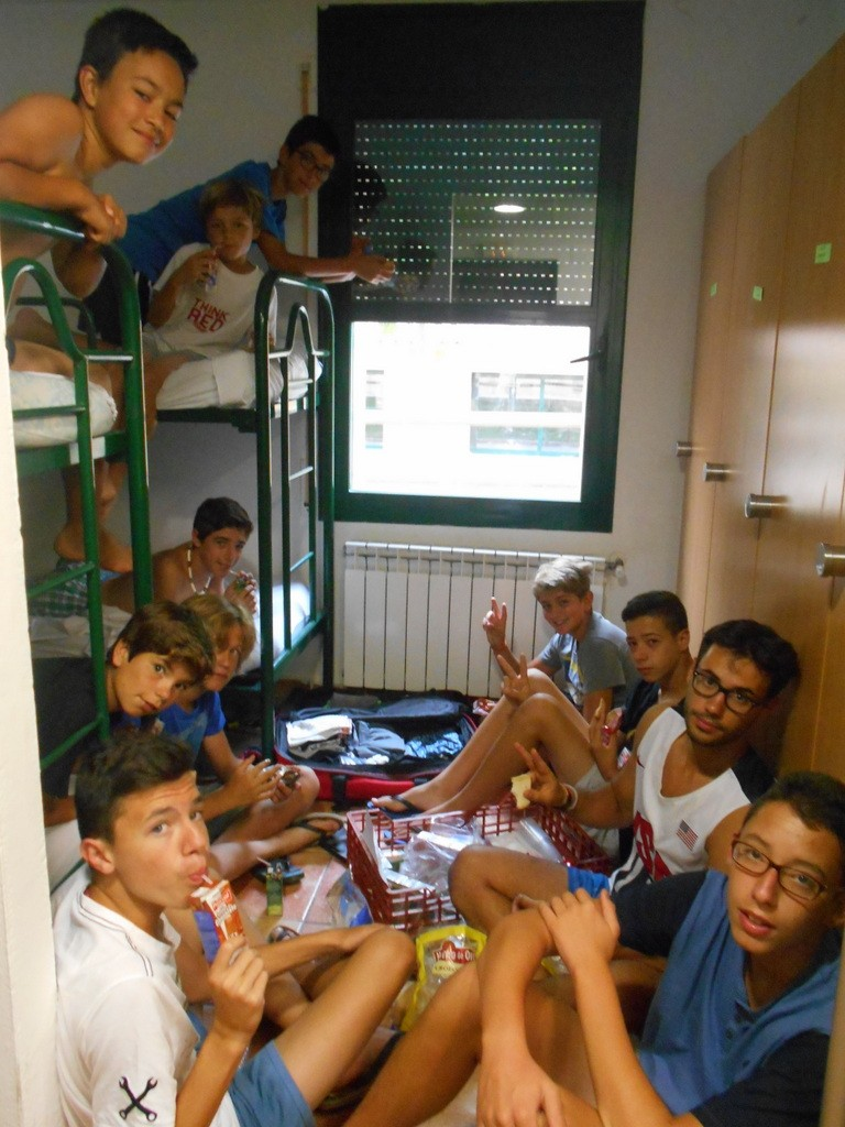 breakfast-bed-campamento-verano-2015