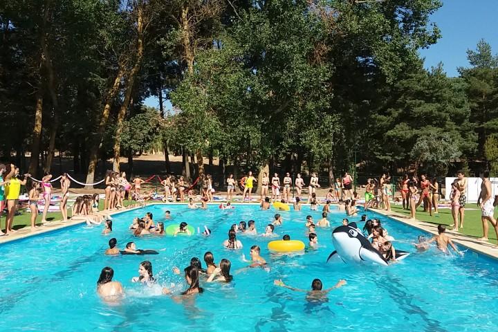 piscina-1-dia-campamentos-ingles-2017[1]