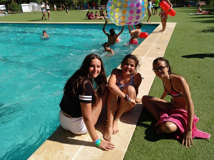 swimmingpool-weekend-campamentos-de-verano-en-ingles-2018