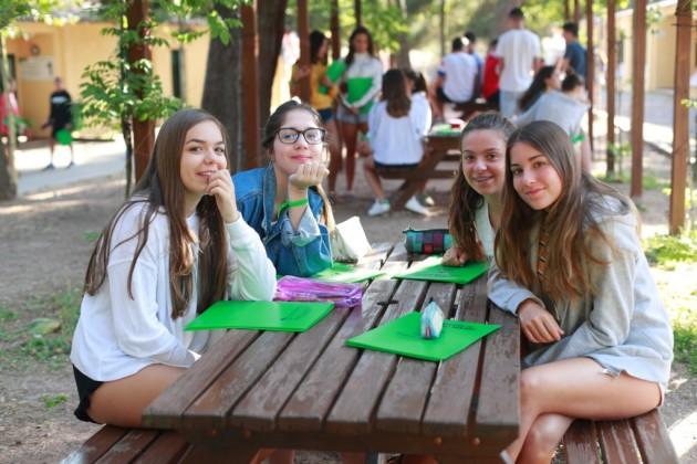 ES students
