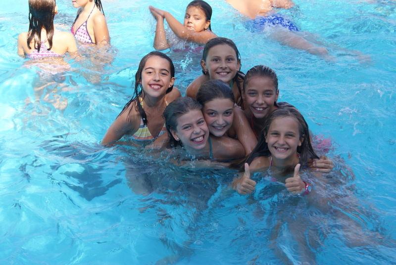 englishsummer-tamarit-swimmingpool