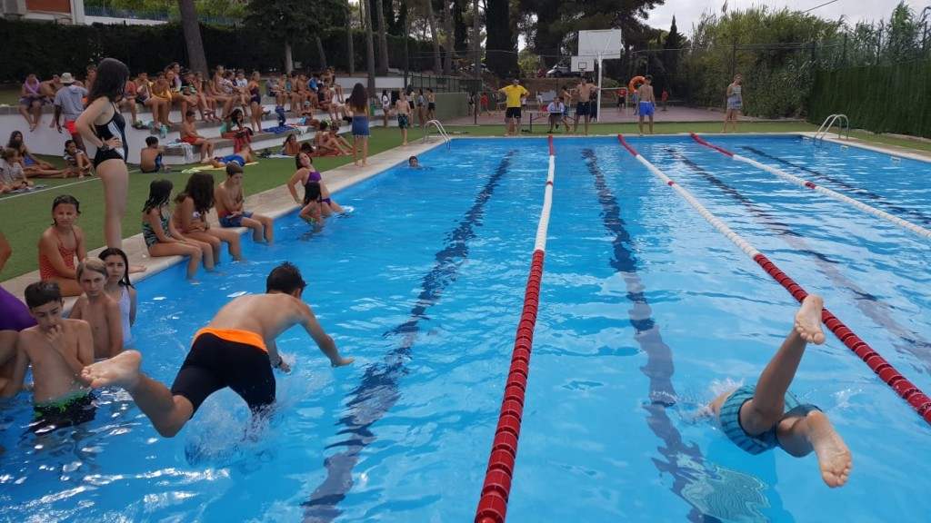 swimming-pool-competition-english-summer