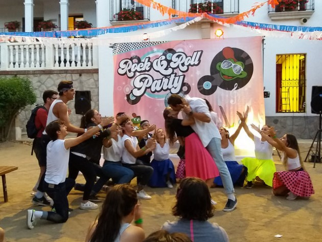 rock-and-roll-grease-night-vallclara