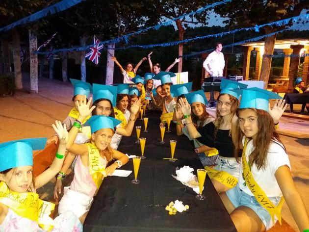 Graduation-ceremony-vallclara
