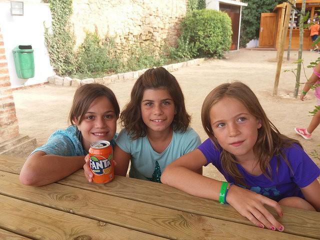 snak-girls-vallclara-english-summer-fun