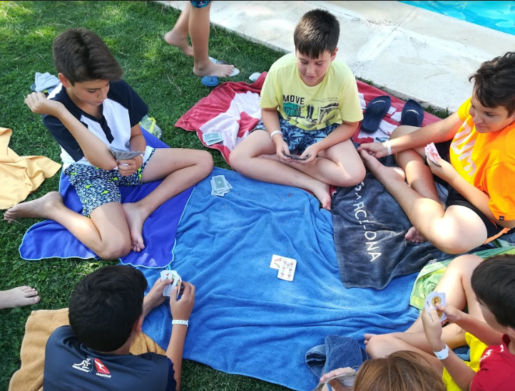 swimming-vallclara-campamentos-inglés-2018.jpg