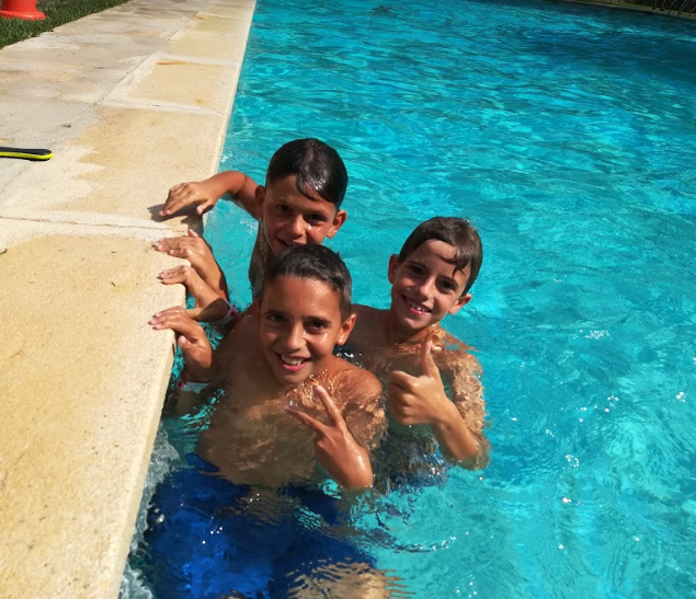 piscina-vallclara-campamentos-inglés-2018.jpg