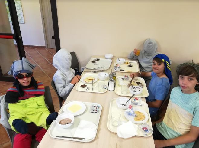 reverse-breakfast-vallclara-campamentos-inglés-2018.jpg