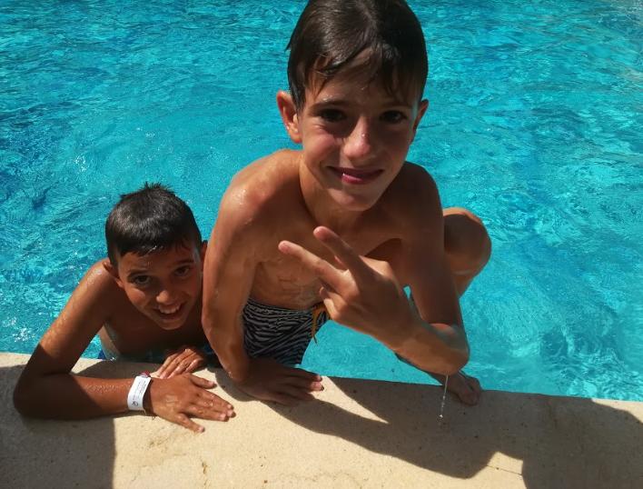 swimmingpool-vallclara-campamentos-inglés-2018.jpg