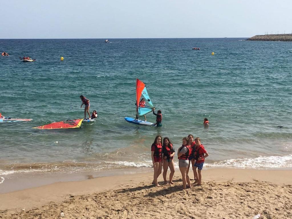 campamentos-de-verano-playa-watersports