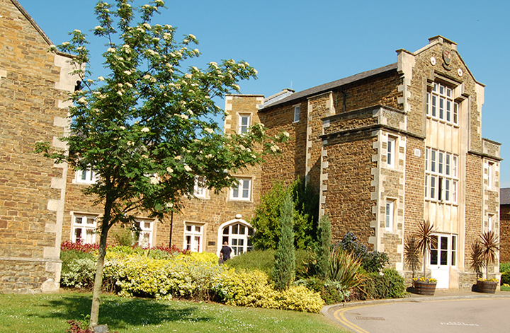 main-oakham-school