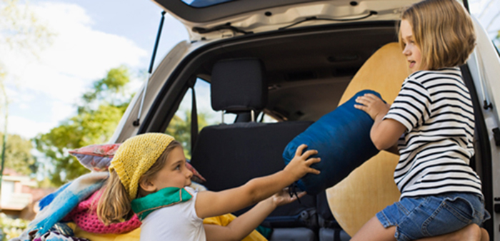 packing-tips-help-kids-load-their-luggage-1439398394
