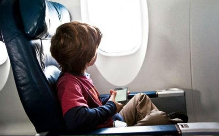 viajar-con-niños-en-avion-1