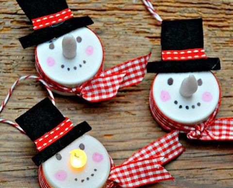 square-1506358849-diy-tealight-snowmen