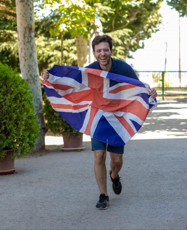 Campamentos-verano-staff-monitores-bandera-inglesa4